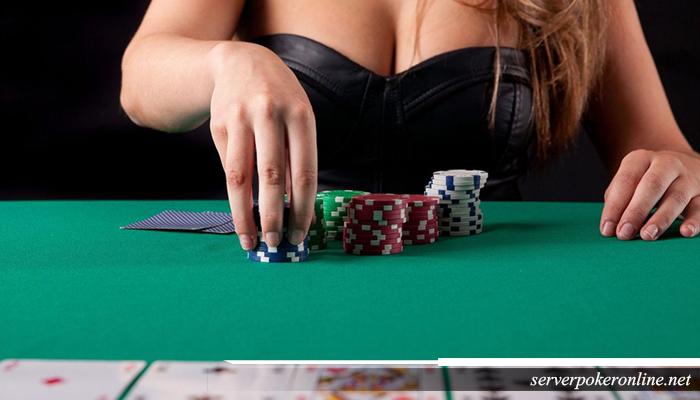 Permainan poker taruhan tanpa busana
